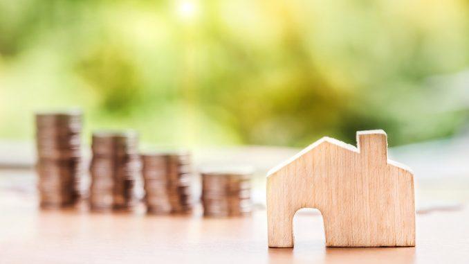 Wer zahlt beim Hauskauf den Notar?