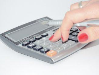 Welche Kosten kommen beim Hauskauf auf mich zu?