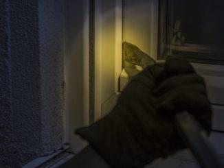 Einbruchsversuch am Fenster