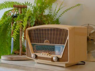 Altes retro Radio aus den 50er Jahren